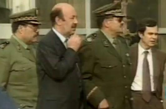 Le général Toufik, à droite.